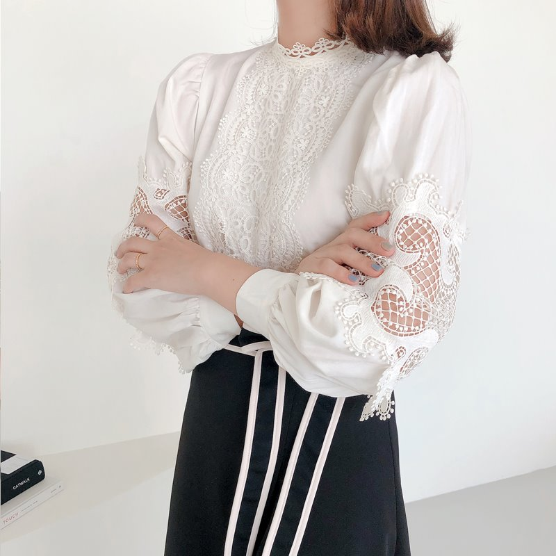 moonlight embroidery blouse(2color)