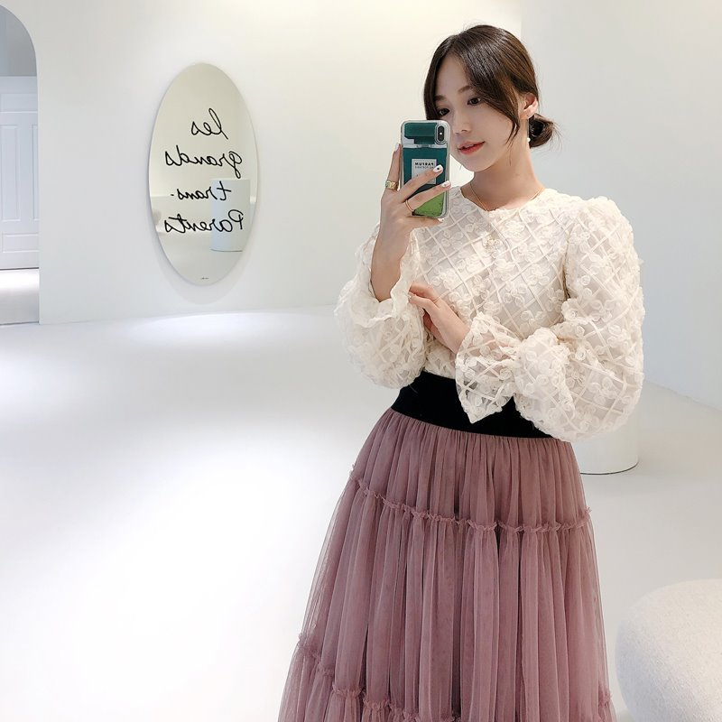 blooming ribbon lace blouse