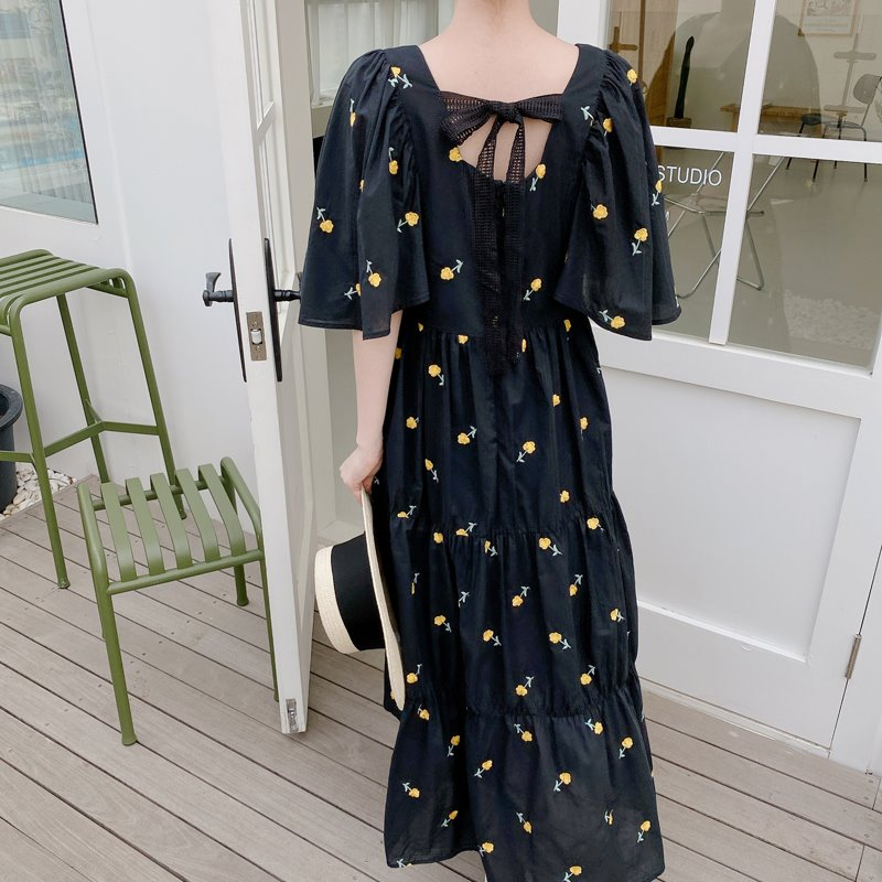 back ribbon embroidery dress(black)